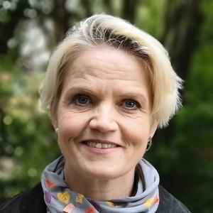 Photo of Lesley Meenaghan