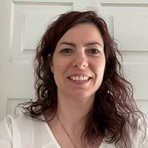 profile photo of Becky Maoudis