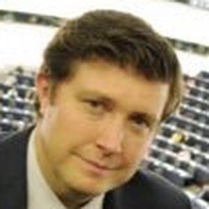 Photo of Andrew Lewer