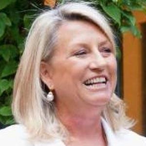 Photo of Lindsey Hall