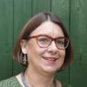 profile photo of Claire Harding