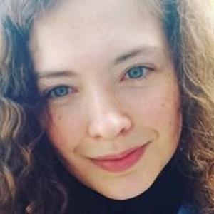 profile photo of Holly Louise Burton