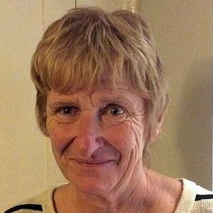 Photo of Dee Bethune