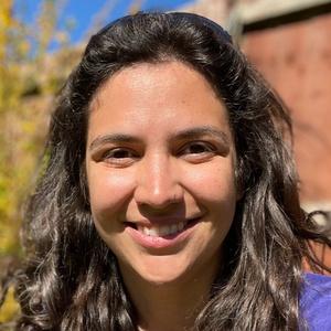 profile photo of Steph Holland