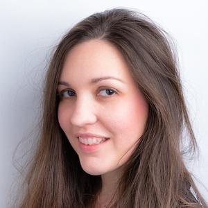 Photo of Laura McCarthy