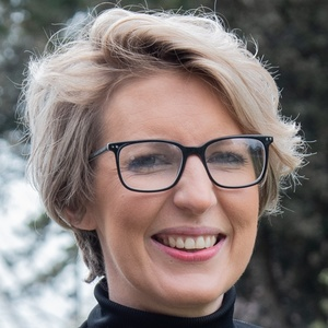 profile photo of Claire Seymour
