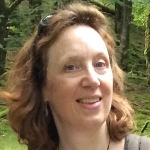 Photo of Liz Hillary