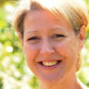 Photo of JoAnne Rust