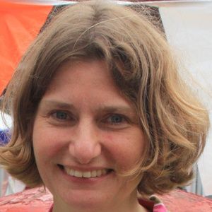 Photo of Tracey Hill