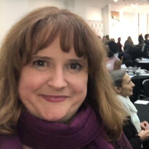 profile photo of Lara Pringle