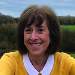 Photo of Lynn Gibbon