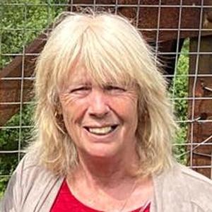 Photo of Julie Ann Barton