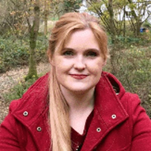 Photo of Lisa Davies