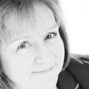 Photo of Maureen Watt