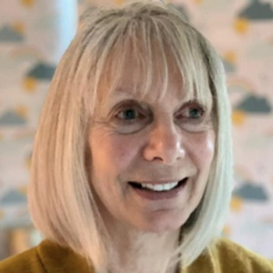 Photo of Christine Saunders