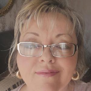Photo of Sharon Blagrove