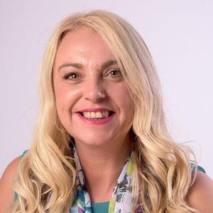 Photo of Sarah Cross