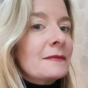 profile photo of Gillian Shields