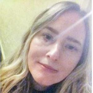 Photo of Clare Cummins