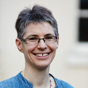 Photo of Bronwen Gray