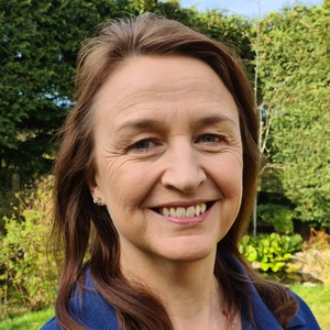 Photo of Lisa Mead
