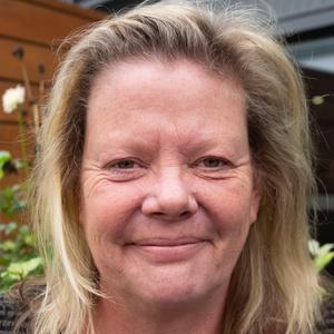 Photo of Julie Phillips